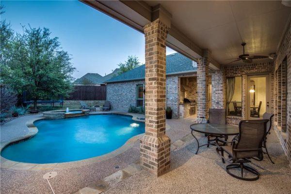 6052 Arboretum Dr, Frisco, TX 75034 -  $1,075,000