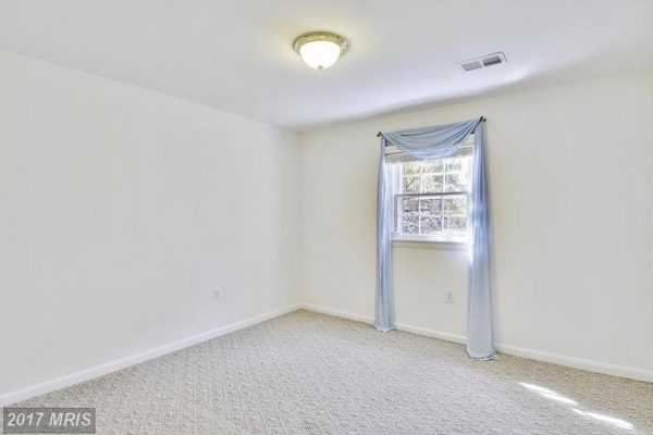 7506 Box Elder Ct, Mc Lean, VA 22102 -  $1,075,000
