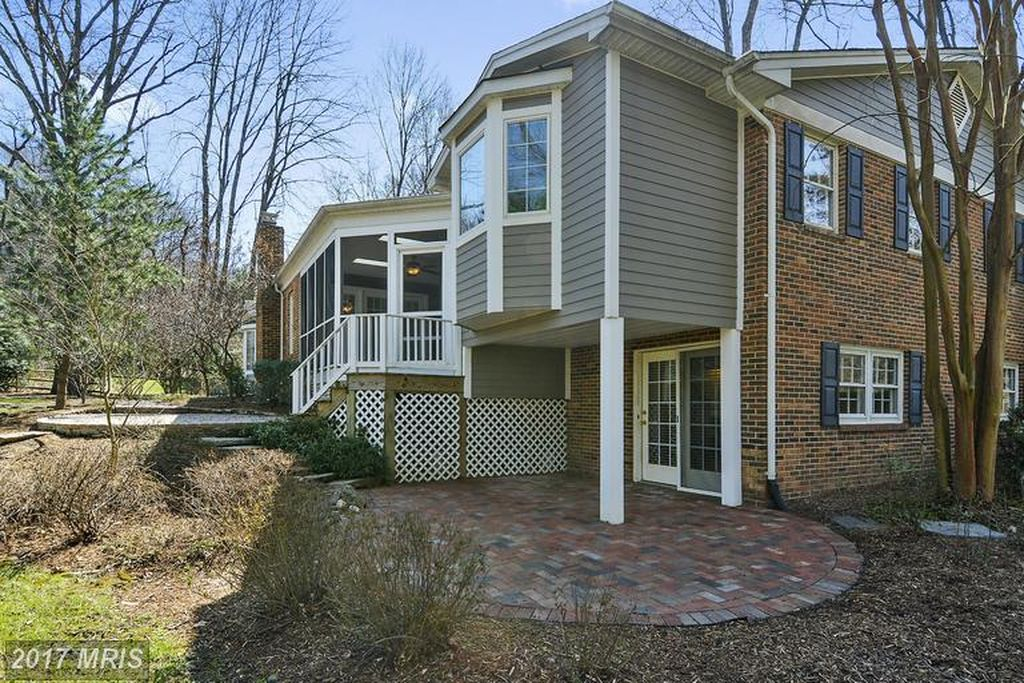 7506 Box Elder Ct, Mc Lean, VA 22102 -  $1,075,000 home for sale, house images, photos and pics gallery