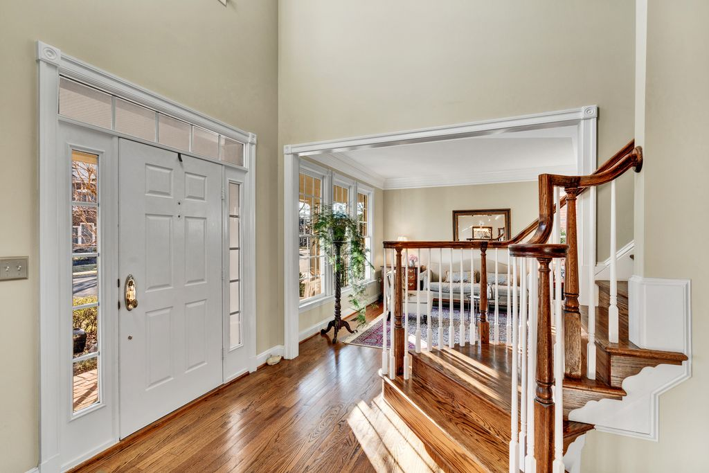 9514 Shelly Krasnow Ln, Fairfax, VA 22031 -  $1,149,500 home for sale, house images, photos and pics gallery