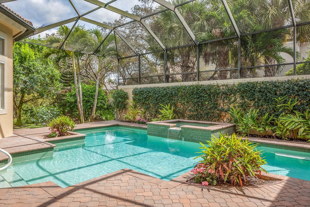 963 Barcarmil Way, Naples, FL 34110 -  $1,050,000 home for sale, house images, photos and pics gallery