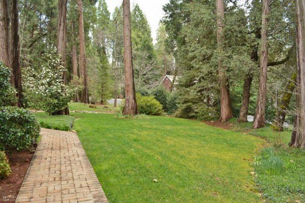 11179 Weatherly Pl, Grass Valley, CA 95945 -  $1,075,000