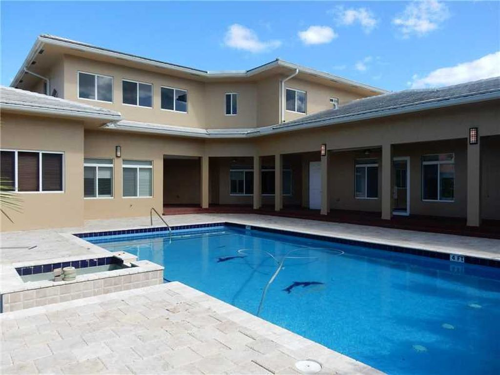 11260 W Sunrise Blvd, Plantation, FL 33323 -  $1,075,000 home for sale, house images, photos and pics gallery