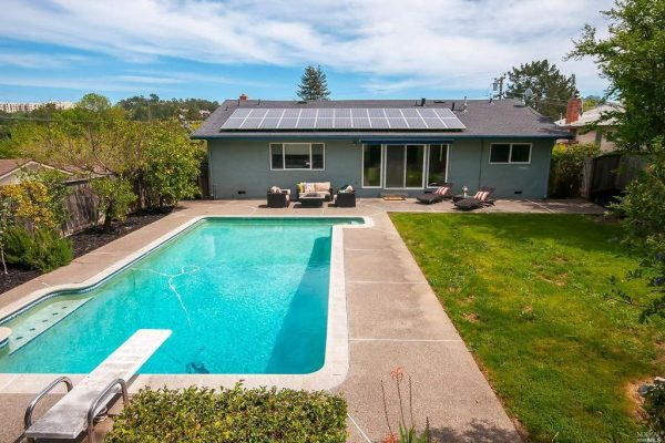 212 Devon Dr, San Rafael, CA 94903 -  $1,075,000