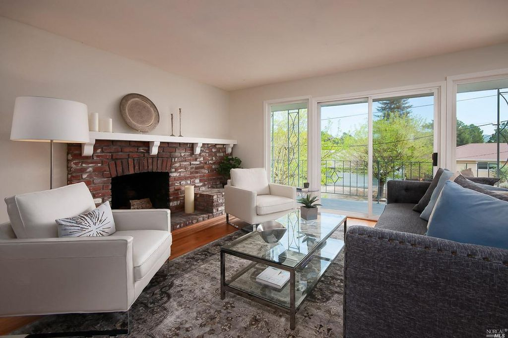 212 Devon Dr, San Rafael, CA 94903 -  $1,075,000 home for sale, house images, photos and pics gallery