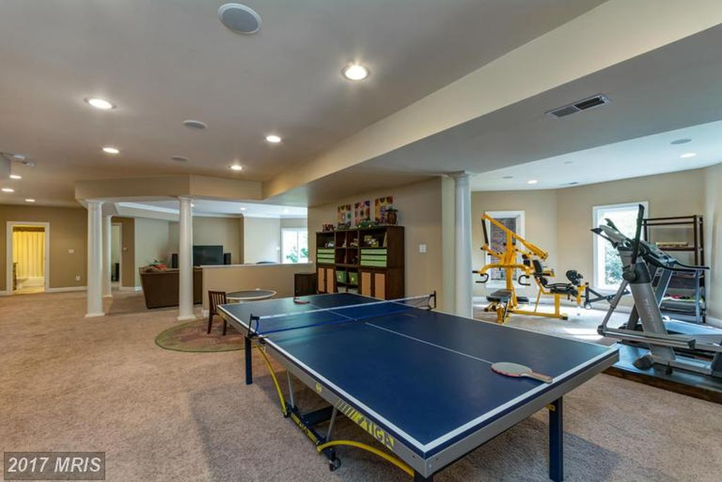 23010 Eagle Watch Ct, Ashburn, VA 20148 -  $1,089,900 home for sale, house images, photos and pics gallery