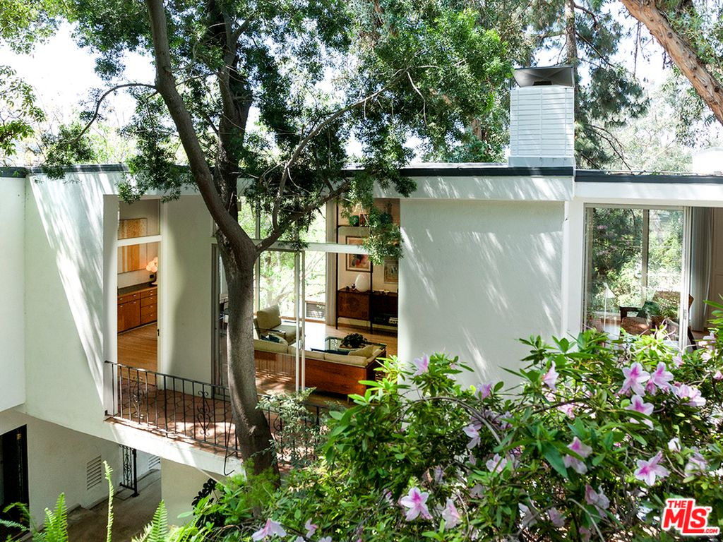 3246 Primera Ave, Los Angeles, CA 90068 -  $1,070,000 home for sale, house images, photos and pics gallery