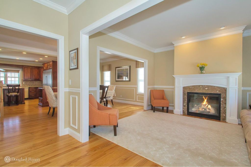 34 Georgia Dr, Syosset, NY 11791 -  $1,088,000 home for sale, house images, photos and pics gallery
