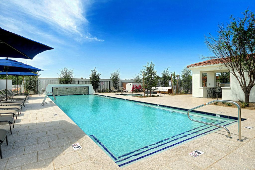 3934 E Crittenden Ln, Phoenix, AZ 85018 -  $1,069,000 home for sale, house images, photos and pics gallery