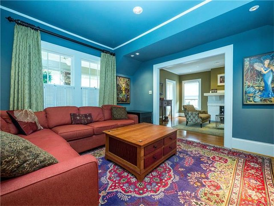 416 Hermitage Ct, Charlotte, NC 28207 -  $1,089,000 home for sale, house images, photos and pics gallery