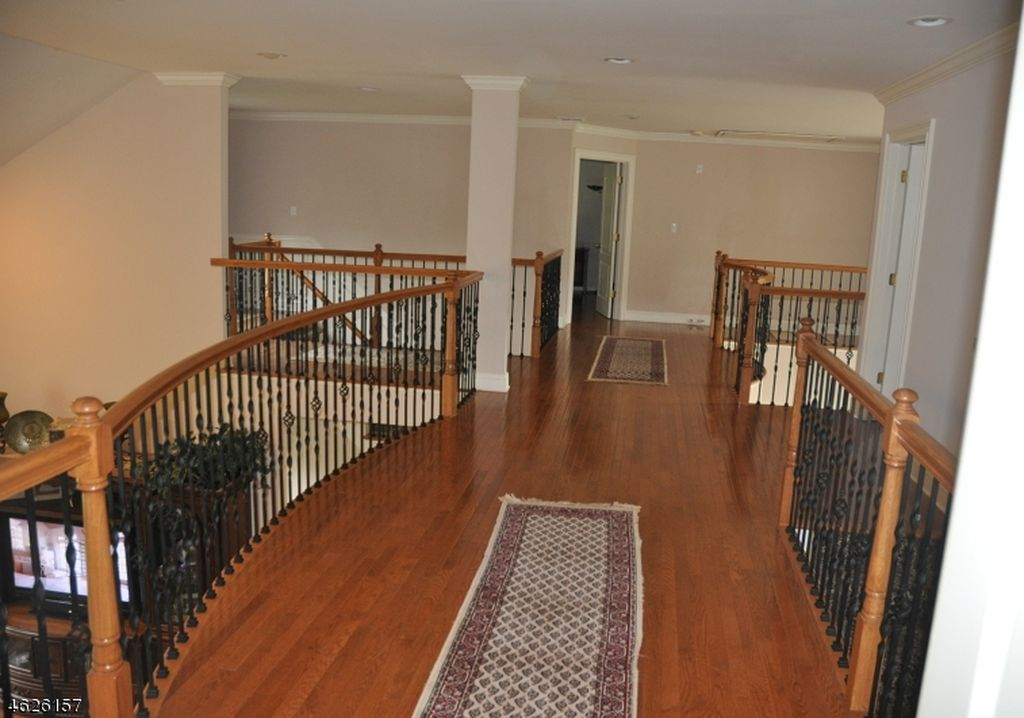 5 Lanning Way, Hillsborough, NJ 08844 -  $1,075,000 home for sale, house images, photos and pics gallery