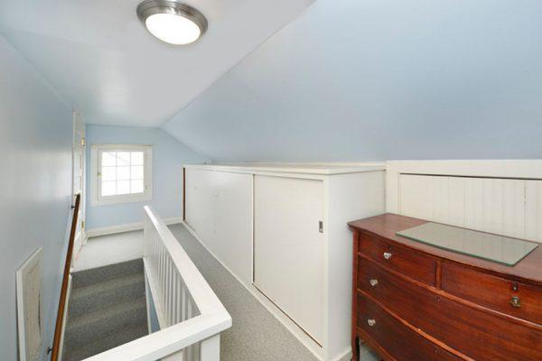 51 Crescent Dr, Glencoe, IL 60022 -  $1,089,000