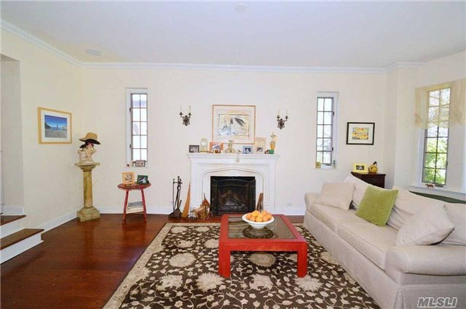 65 Somerset Dr S, Great Neck, NY 11020 -  $1,060,000 home for sale, house images, photos and pics gallery