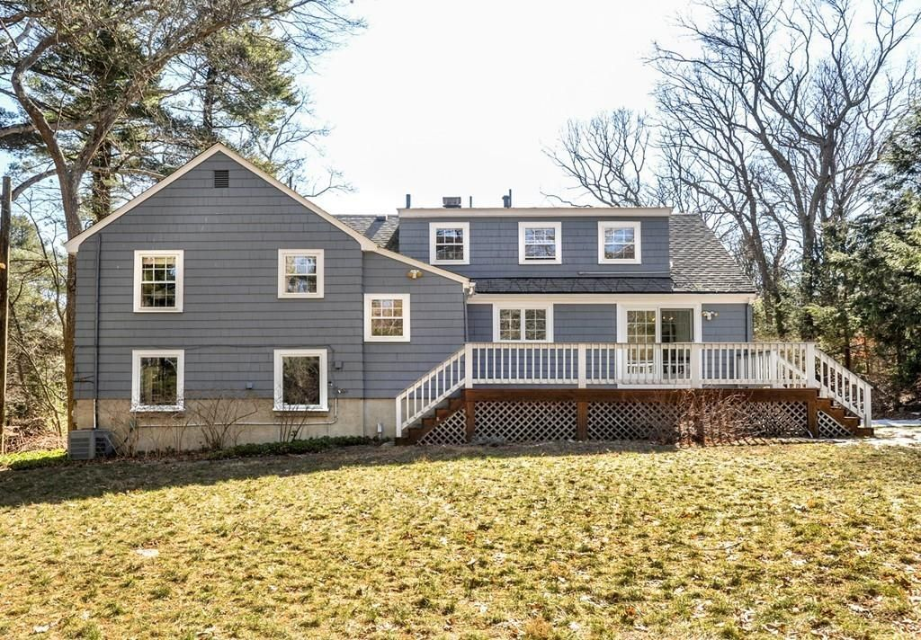 98 Ash St, Weston, MA 02493 -  $1,075,000 home for sale, house images, photos and pics gallery