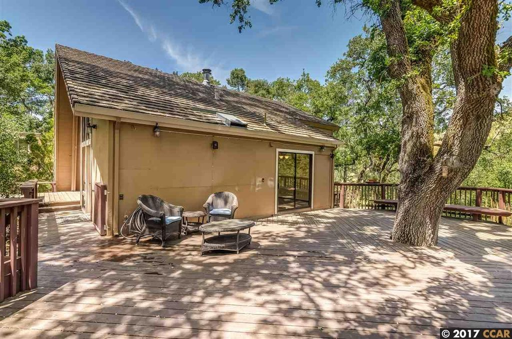 1 Cattle Chute Rd, Lafayette, CA 94549 -  $1,039,000 home for sale, house images, photos and pics gallery