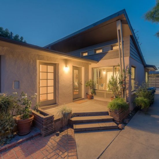 11565 Addison St, North Hollywood, CA 91601 -  $1,049,000