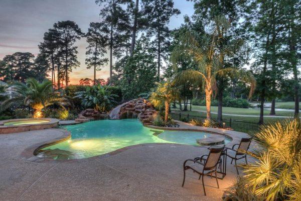 14 Golf Links Ct, Humble, TX 77339 -  $1,150,000