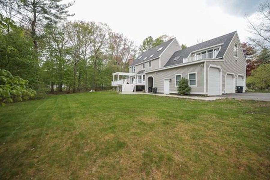 142R Page Rd, Bedford, MA 01730 -  $1,050,000 home for sale, house images, photos and pics gallery