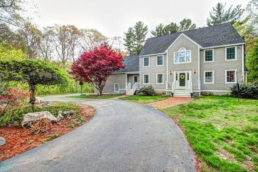 142R Page Rd, Bedford, MA 01730 -  $1,050,000