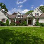 2 Memas Ct, Dix Hills, NY 11746 -  $1,250,000