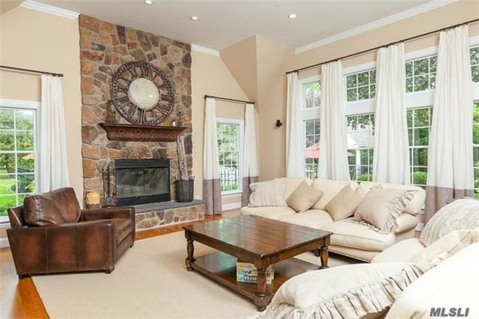 2 Memas Ct, Dix Hills, NY 11746 -  $1,250,000 home for sale, house images, photos and pics gallery