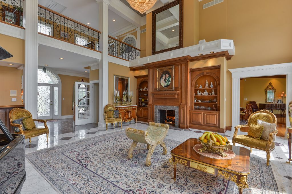 2107 Club Vista Pl, Louisville, KY 40245 -  $1,295,000 home for sale, house images, photos and pics gallery
