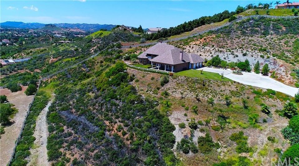21203 Paseo Montana, Murrieta, CA 92562 -  $1,064,000 home for sale, house images, photos and pics gallery