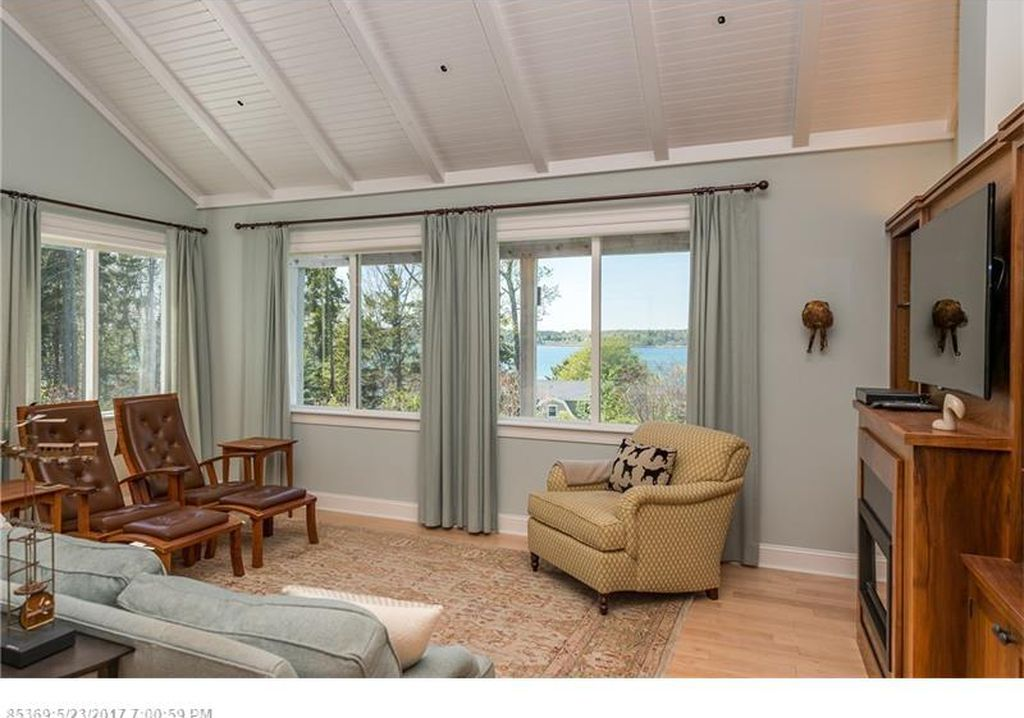 23 Shoreline Dr, Harpswell, ME 04079 -  $1,295,000 home for sale, house images, photos and pics gallery