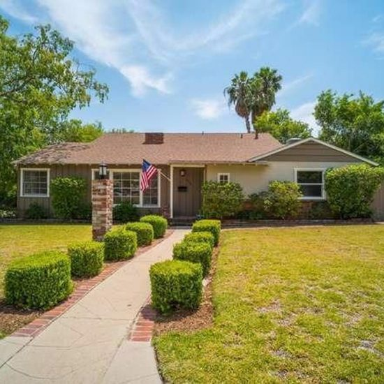 2304 Galbreth Rd, Pasadena, CA 91104 -  $1,048,000