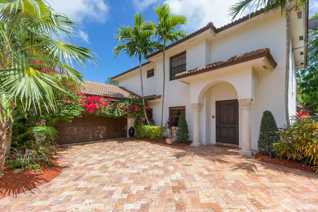 242 NW 6th St, Boca Raton, FL 33432 -  $1,000,000