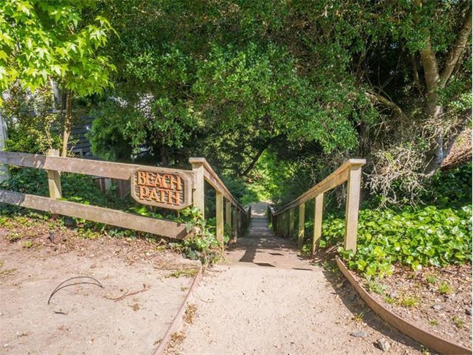 320 Los Altos Dr, Aptos, CA 95003 -  $1,268,000 home for sale, house images, photos and pics gallery