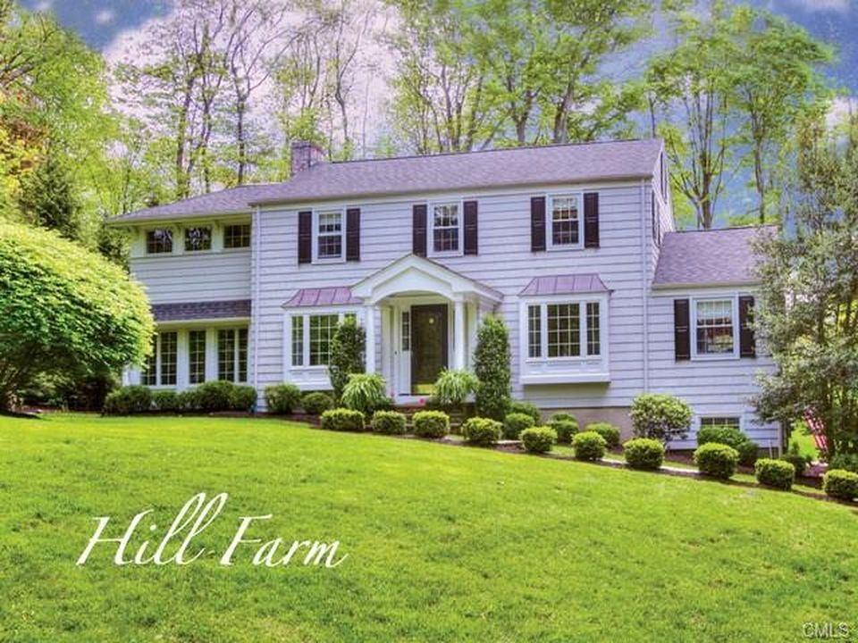 535 Hill Farm Rd, Fairfield, CT 06824 -  $1,044,000 home for sale, house images, photos and pics gallery