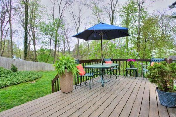 535 Hill Farm Rd, Fairfield, CT 06824 -  $1,044,000