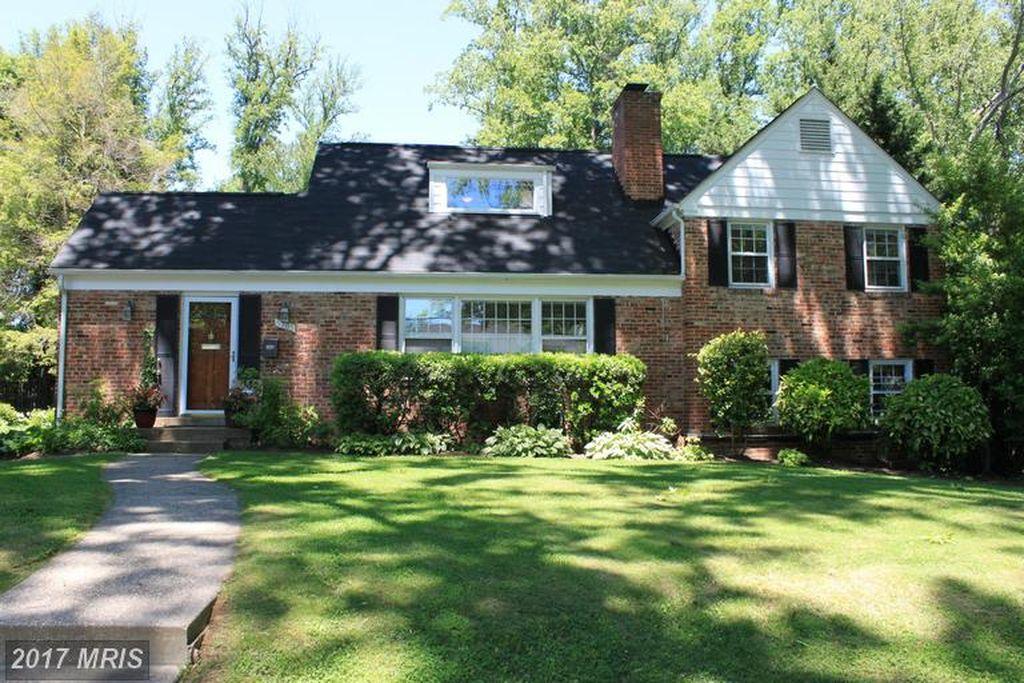 5705 Ridgefield Rd, Bethesda, MD 20816 -  $1,044,000