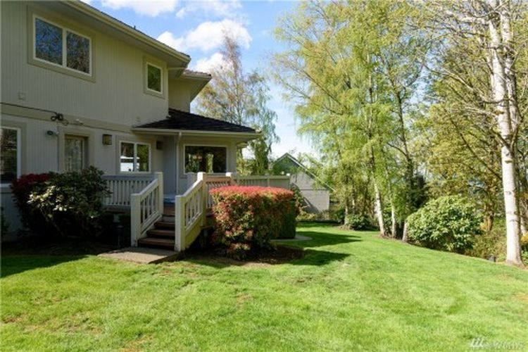 5892 169th Ave SE, Bellevue, WA 98006 -  $1,280,000 home for sale, house images, photos and pics gallery