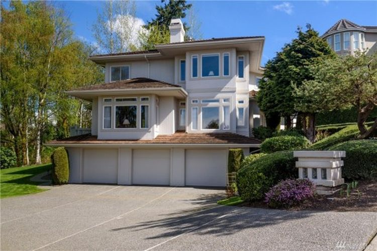 5892 169th Ave SE, Bellevue, WA 98006 -  $1,280,000
