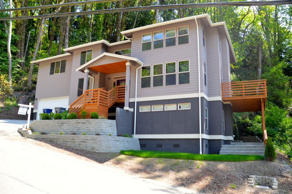 6837 NE 129th St, Kirkland, WA 98034 -  $1,250,000