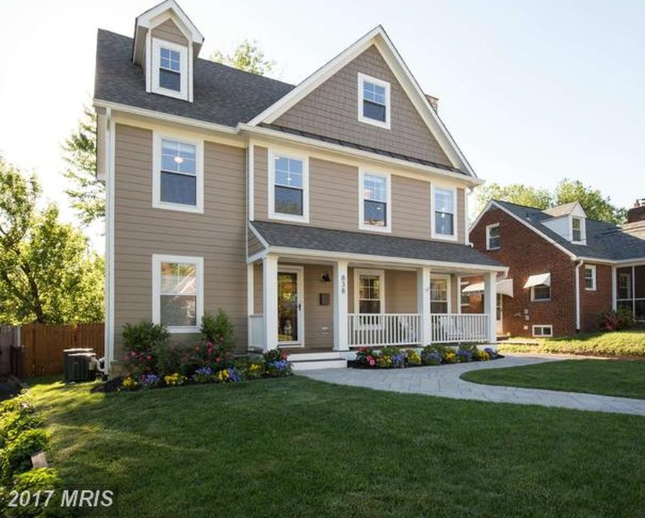 838 N Abingdon St, Arlington, VA 22203 -  $1,150,000