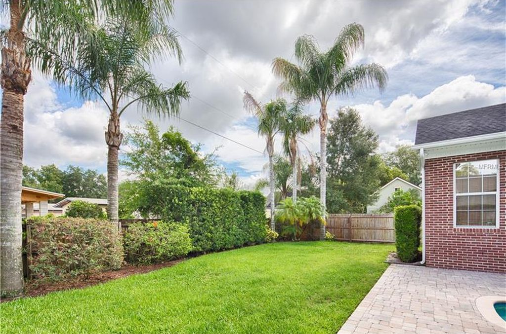 1725 Spruce Ave, Winter Park, FL 32789 -  $1,025,000 home for sale, house images, photos and pics gallery