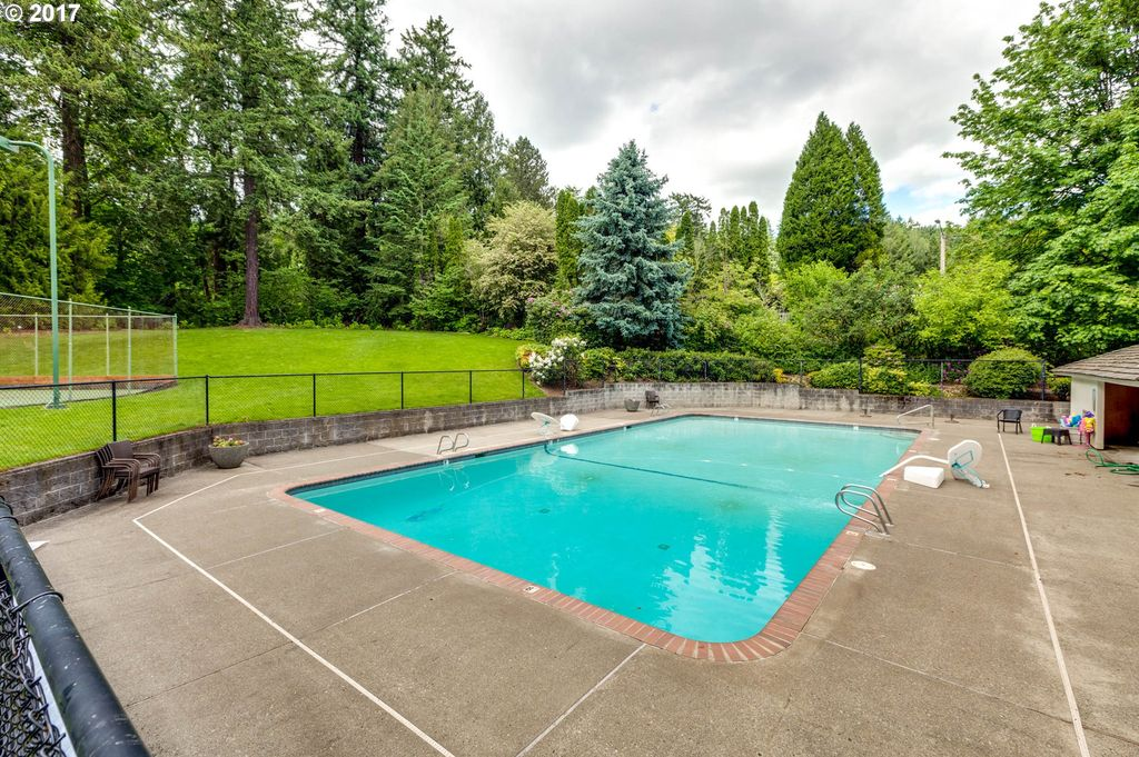 5027 SW Downs View Ct, Portland, OR 97221 -  $1,015,000 home for sale, house images, photos and pics gallery