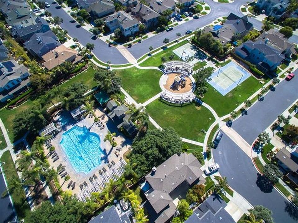 622 Seaward Ave, Carlsbad, CA 92011 -  $1,045,000 home for sale, house images, photos and pics gallery