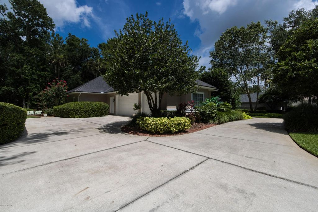 8119 Seven Mile Dr, Ponte Vedra Beach, FL 32082 -  $1,045,000 home for sale, house images, photos and pics gallery