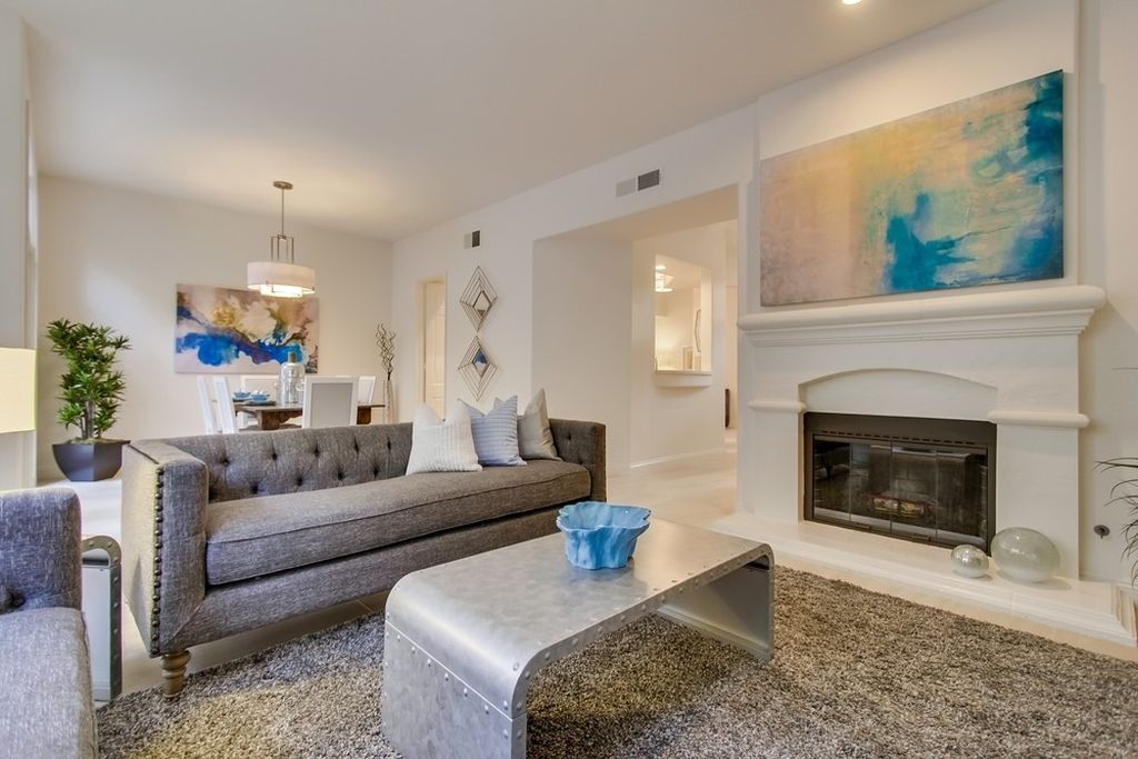 9677 Claiborne Sq, La Jolla, CA 92037 -  $1,045,000 home for sale, house images, photos and pics gallery