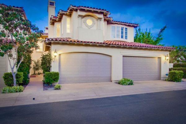 9677 Claiborne Sq, La Jolla, CA 92037 -  $1,045,000