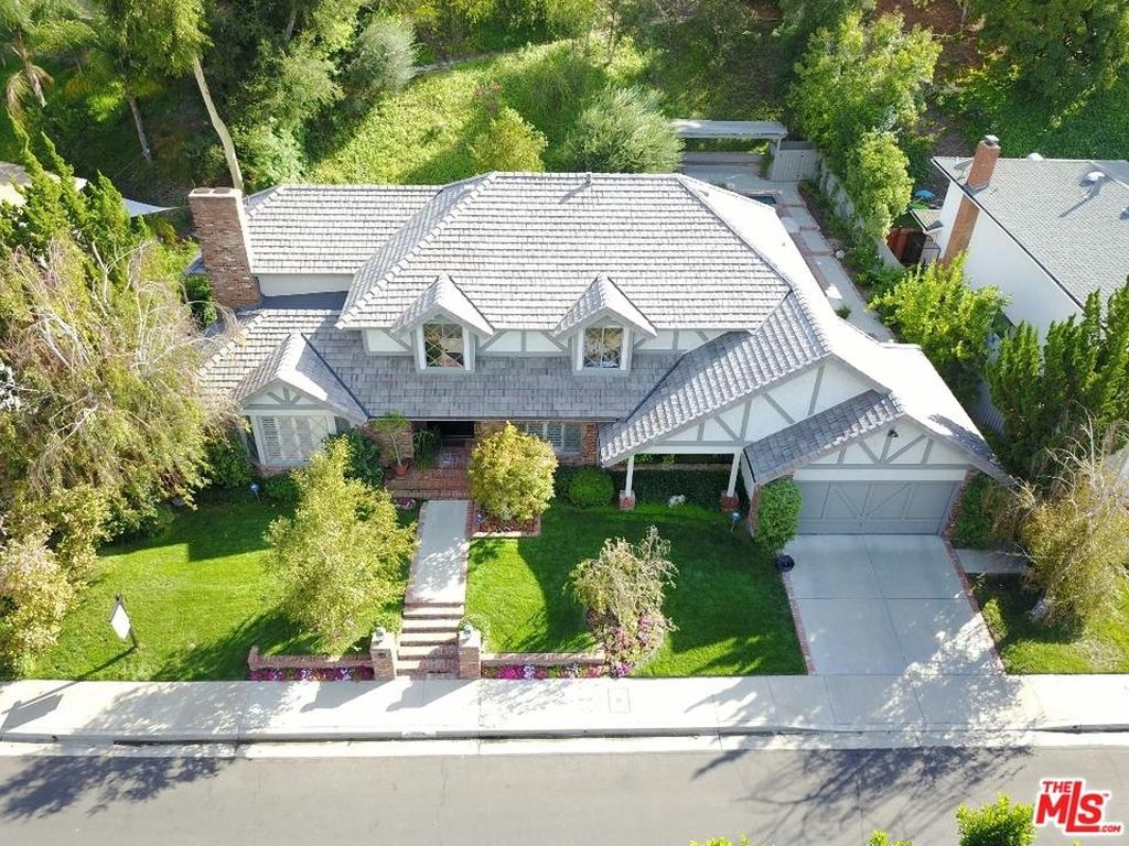 17256 Luverne Pl, Encino, CA 91316 home for sale, house images, photos and pics gallery