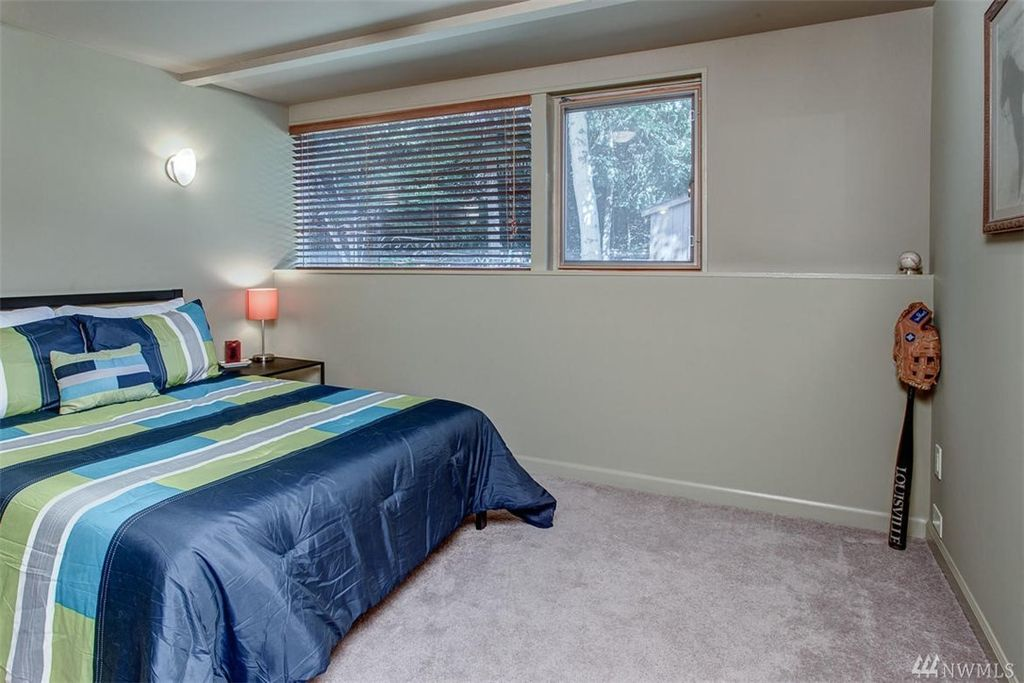 2022 77th Ave NE, Medina, WA 98039 home for sale, house images, photos and pics gallery