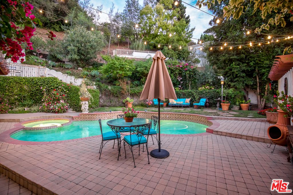 2134 Benedict Canyon Dr, Beverly Hills, CA 90210 home for sale, house images, photos and pics gallery