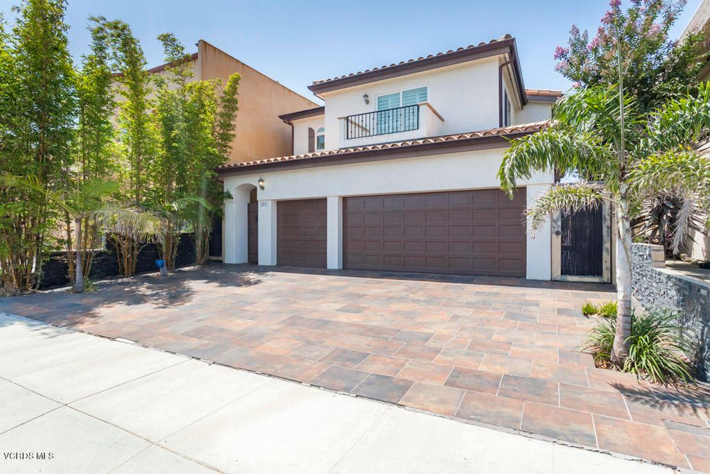 2251 Victoria Ave, Oxnard, CA 93035 home for sale, house images, photos and pics gallery