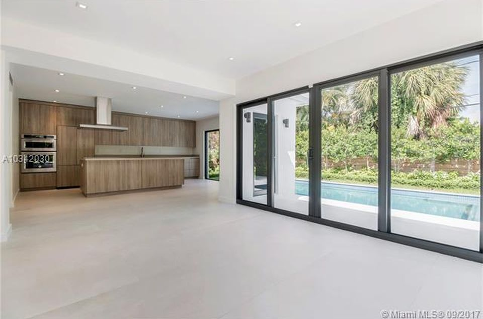 4235 Prairie Ave, Miami Beach, FL 33140 home for sale, house images, photos and pics gallery
