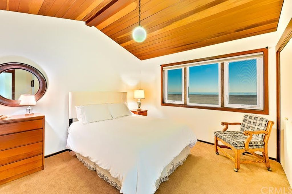 514 W Oceanfront Newport Beach, CA 92661 - $4,450,000 home for sale, house images, photos and pics gallery